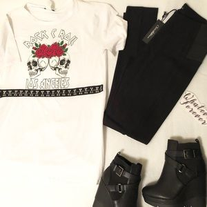 Jade Tops - White top with roses 🌹 and skulls Rock and roll T